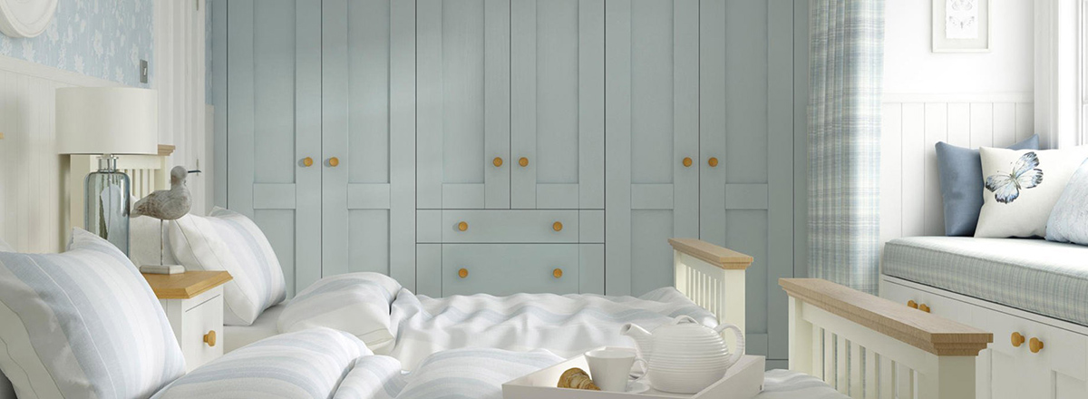 Fitted bedroom by Preston & Co